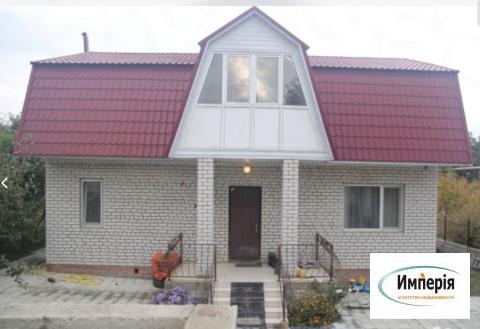 Продаётся двухэтажный кирпичный дом с видом на Волгу