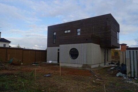 Новый прекрасный коттедж 200 кв.м. на участке 10.5 соток расположен в .