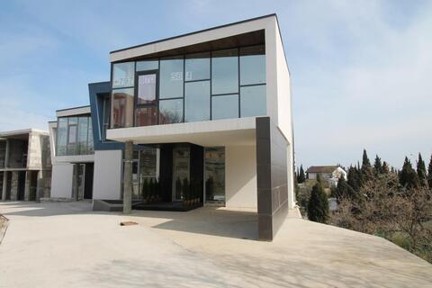 Продам новый современный дом в Алуште.