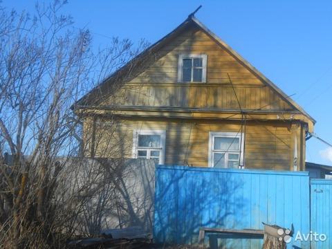Отличный крепкий дом на холме на берегу речки