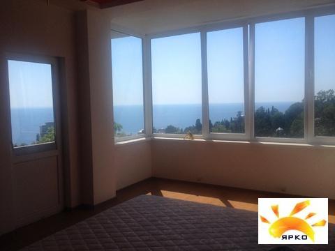 Продажа гостиницы в Гаспре с видом на море и горы.