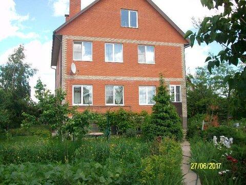 Продается капитальный дом с участком 15 соток в гор.Жукове