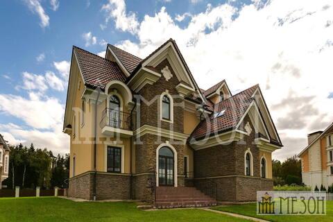 Продается дом премиум-класса под отделку.