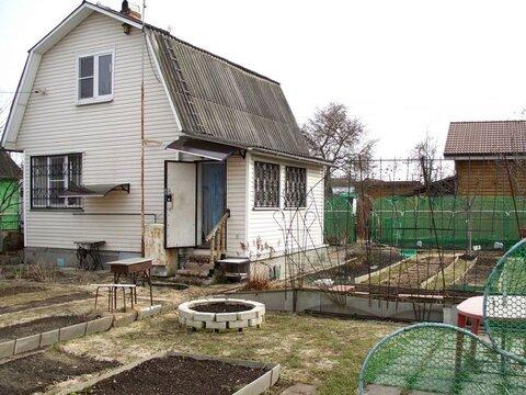 Благоустроенная летняя дача площадью 60 кв.м в обжитой садовом .