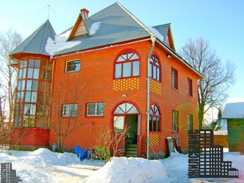 Двухэтажный дом 220 кв.м с участком 25 соток в д. Лужки, Новорижское ш
