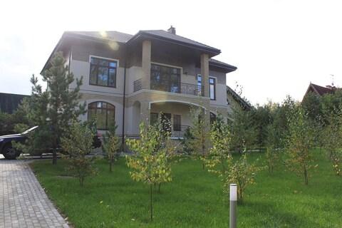 Новый коттедж 1000кв.м. под ключ в элитном поселке в Жуковке