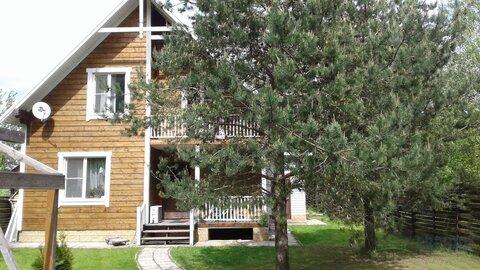 Жилой, зимний дом (брус) 140 кв.м, утеплен, обшит блокхаусом, лесной .