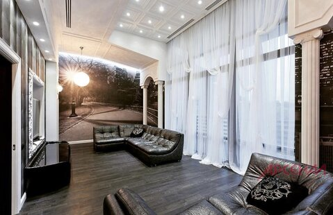 Продается Таунхаус 300 метров, участок 5 соток в элитном ЖК .