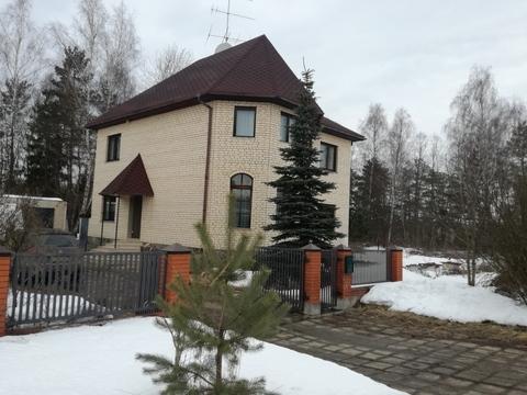 Продается кирпичный дом 263 кв.м. в Рузском р-не, д.Нестерово