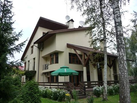 Дом со вторым светом в тишине на лесном участке в поселке на Рублевке