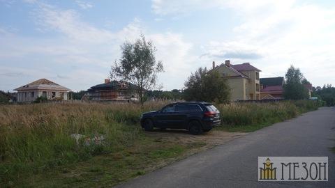 Продается участок в полностью застроенном и заселенном поселке.