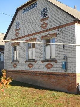 Дом в селе Беленькое Борисовского района.