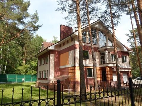 Продается коттедж 600 кв.м в Курортном поселке