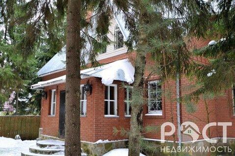 Дом в лесу с баней на просторном участке
