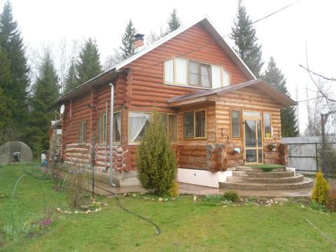 Уютный дом из бревен, 150 кв. м. на участке 12 соток в окружении леса