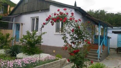 Продам дом и земельный участок в Крыму