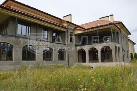 Дом 1300 кв.м. Без ремонта на участке 23 сот.