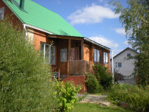 Домс центральными коммуникациями в Детчино