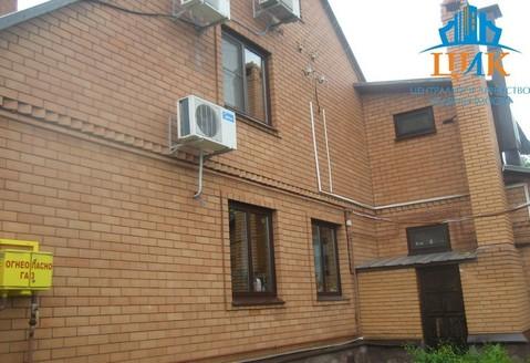 Продается 3-этажный кирпичный дом с земельным участком 17 соток
