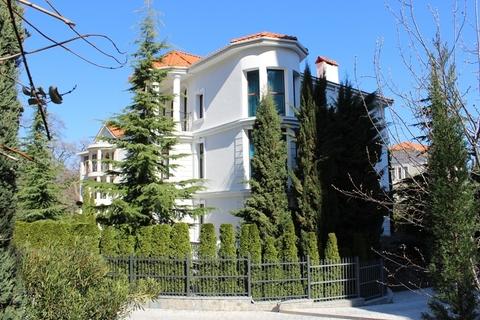 Царское имение в Ливадии возле Дворца