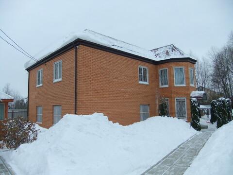 2-хэтажный кирпичный дом 260 кв м на участке 6 соток. ИЖС, ПМЖ