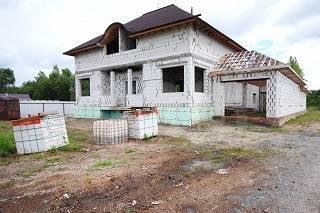 Продам не достроенный дом