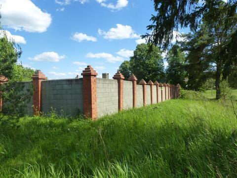 Загородное владение 22,5 сотки с баней забором и цокольным эатжом дома