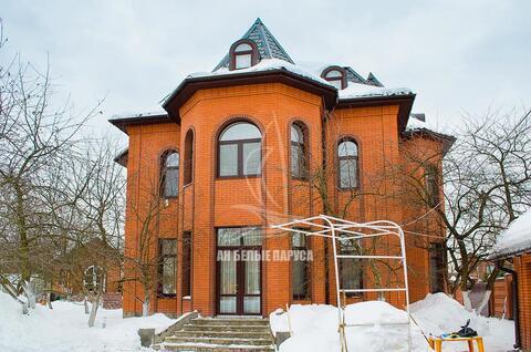 Сдается в аренду жилой дом общей площадью 407,2 кв.м. на земельном .