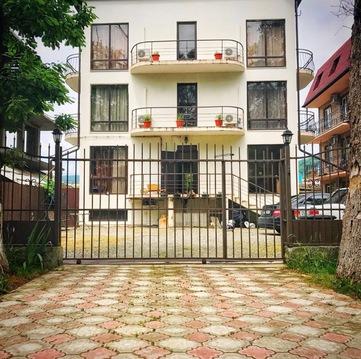 Продам дом в Сочи с ремонтом рядом с морем