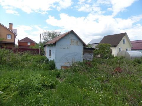 Участок с садовым домиком