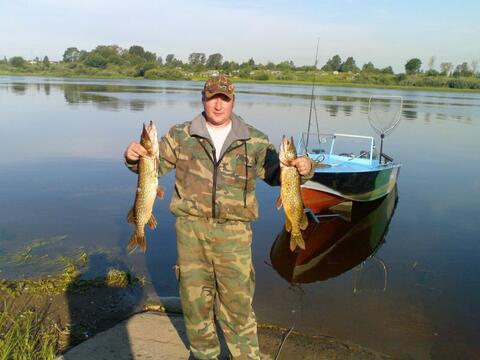 ловить рыбу на реке волхов